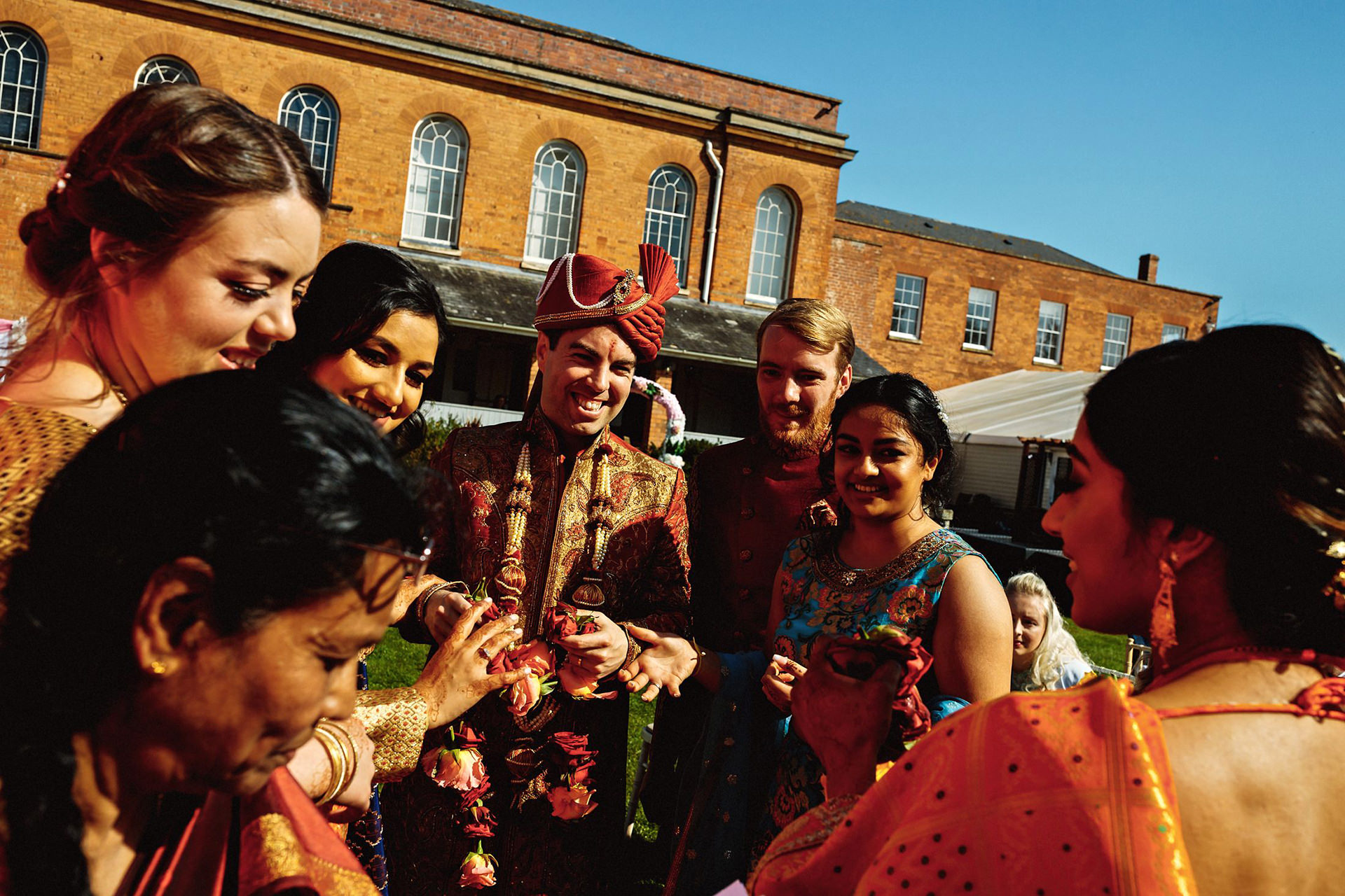 the groom in hindu clothes
